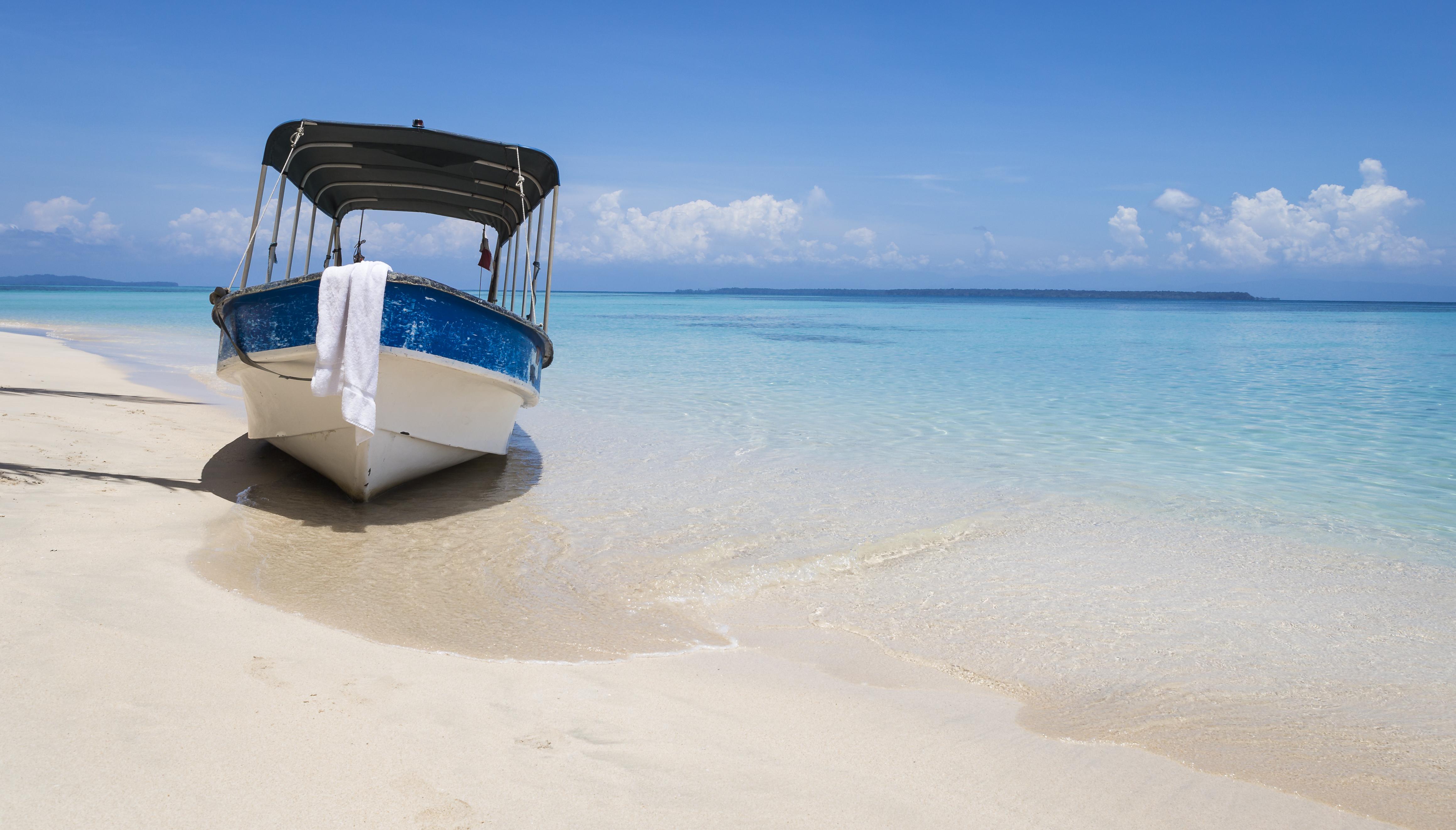 Boat on beach in Cayo Zapatilla, Bocas del Toro, Paanama