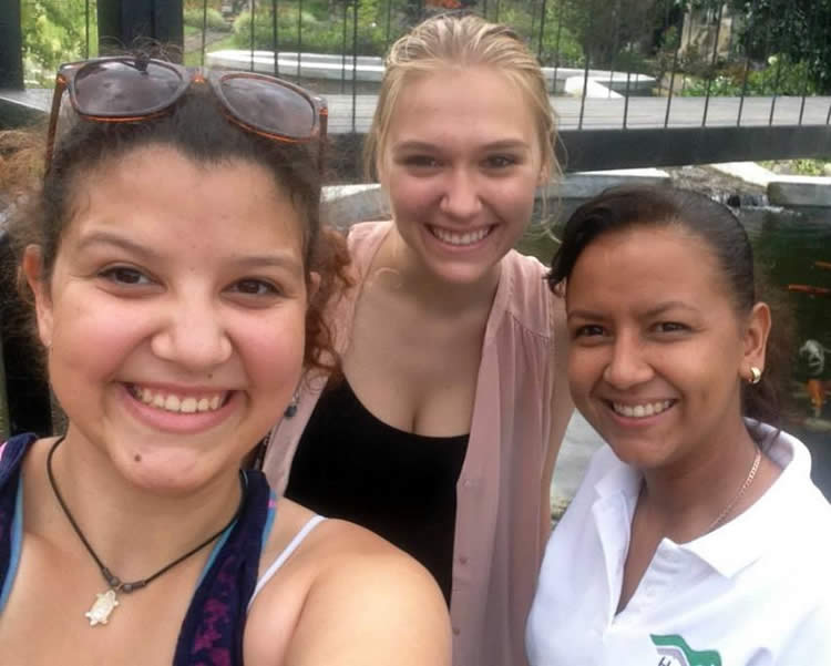 Mitzila Vega with two of her Spanish students during a visit to Mi Jardin es su Jardin in Boquete, Panama