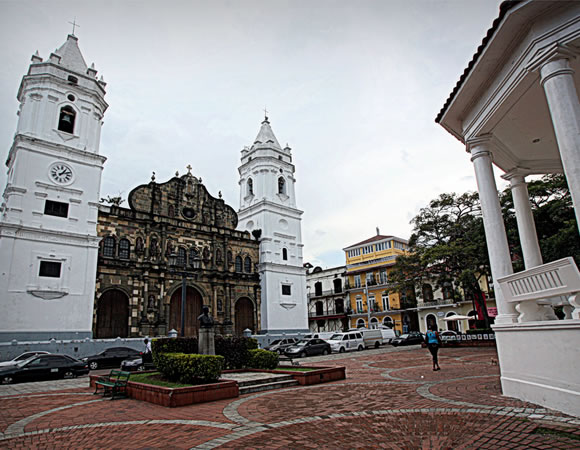 Plaza Catedral, Casco Viejo, Panama City