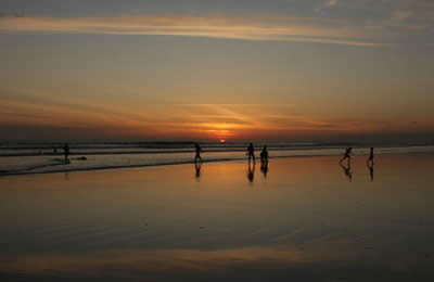 During low tide, the beach at Las Lajas can easily become 150 meters wide, which is ideal for playing sports all day long
