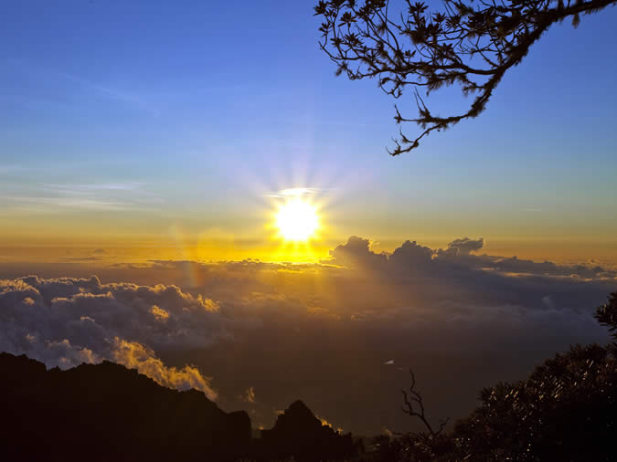Experiencing a sunrise in Boquete is simply stunning, specially if you can hike up the mountains that surround the valley