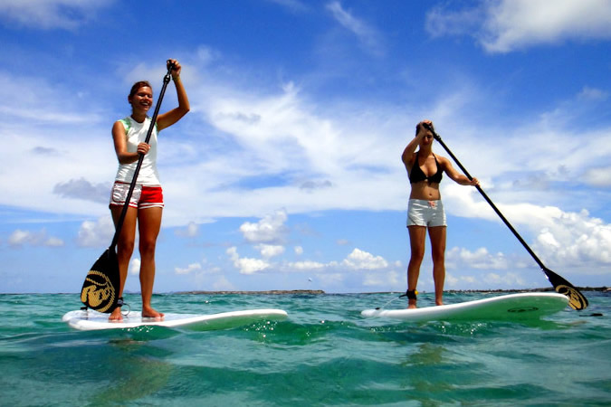 Now, if you are like me, you have seen people stand up paddle boarding around the different islands in Bocas del Toro, and thought, wow, that looks pretty fun! And you would be right!