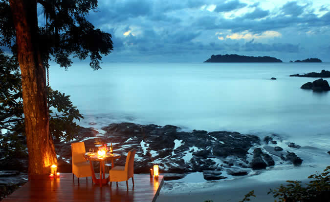 Isla Palenque's location in stunning Gulf of Chiriqui invites guests to bask in the beauty and seclusion of an oceanic paradise.