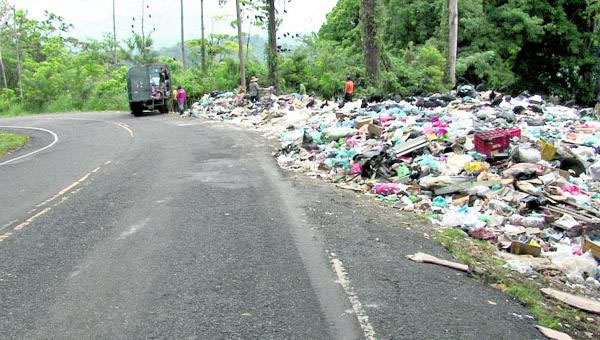 Believe it or not, this is just one of the piles of trash that the new local waste management group had to deal with. This is on the road to one of Bocas del Toro's most beatiful beaches, Starfish Beach