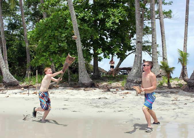 If you're a family with kids vacationing Panama, you shouldn't miss coming to the Chiriqui Gulf National Marine Park