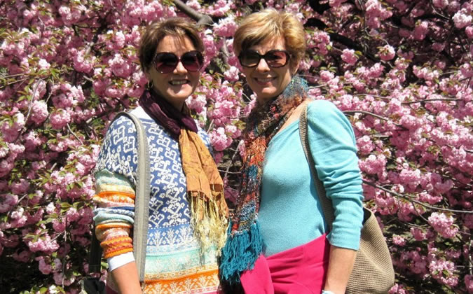 Dianne and Elizabeth share their passion for natural healing at Finca Luz