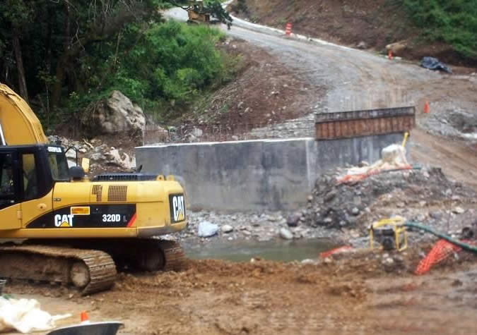 The Comarca's infrastructure needs permanent solutions... not just get rich quick schemes for contractors