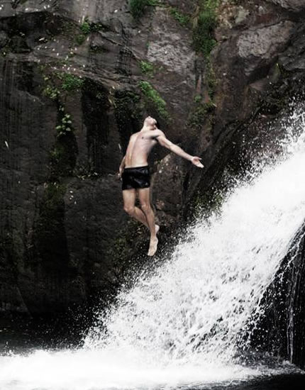 If you are able to handle the pressure at a professional and personal level, you end up becoming a better person, specially when you fail and are able to pick yourself up and try again. This photo is from a special place of my childhood, known as the Jaguata watarfalls, and nowadays I bring customers here to slackline over the water.