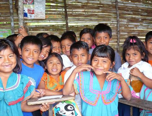All children should have access to equal opportunities, but in a devoloping country like Panama, reality dictates a very different story for the children of the Comarca. Indigenous kids at school in la Comarca.