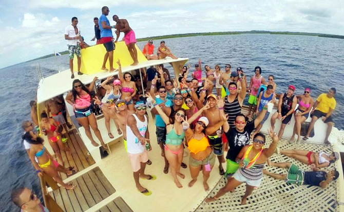 Carnivals with a bunch of party people over the waters of the Caribbean? For sure!