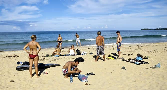 Group of friends enjoying Red Frog Beach in Bocas del Toro